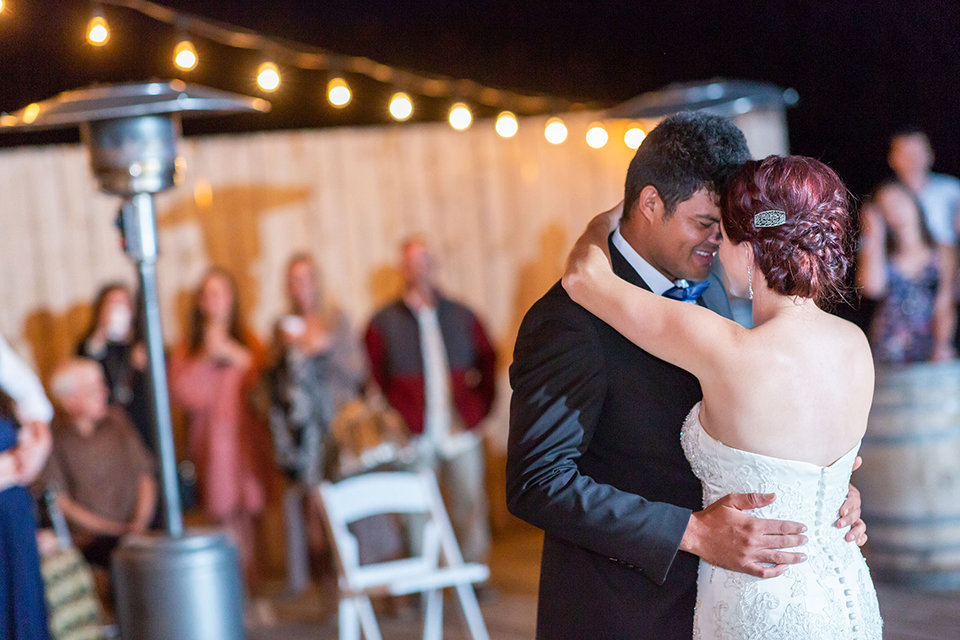 granby-colorado-Strawberry-Creek-Ranch-Wedding-Ashley-McKenzie-Photography-tropic-meets-mountain-wedding-colorful-first-dance