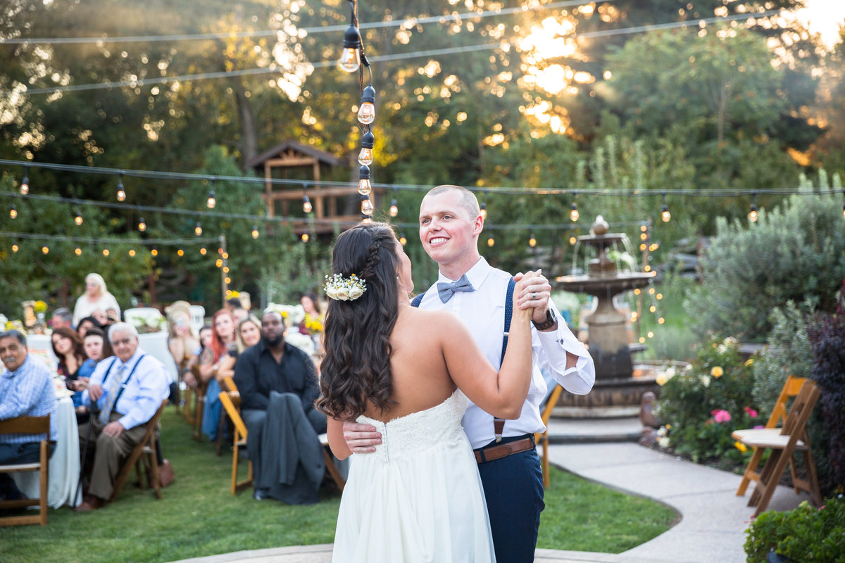 bloomphotographyca_sacramento_wedding_backyard_rustic_love_sunset_02