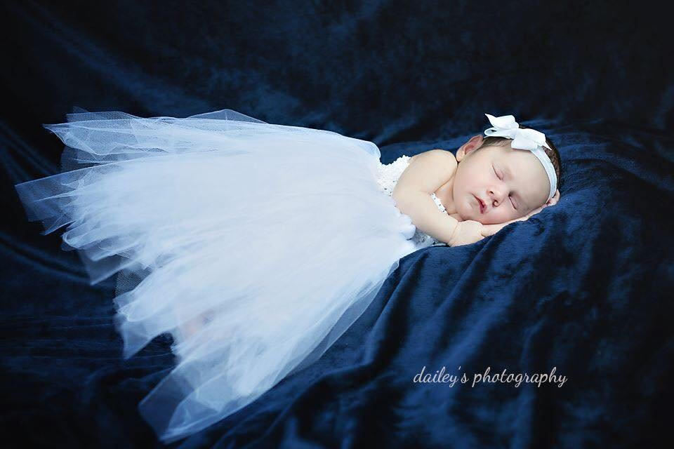 newborn photographer copy