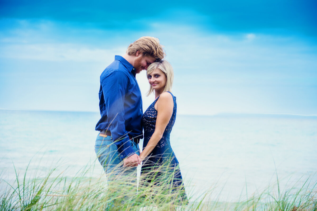 northern-michigan-engagement-photographers-11