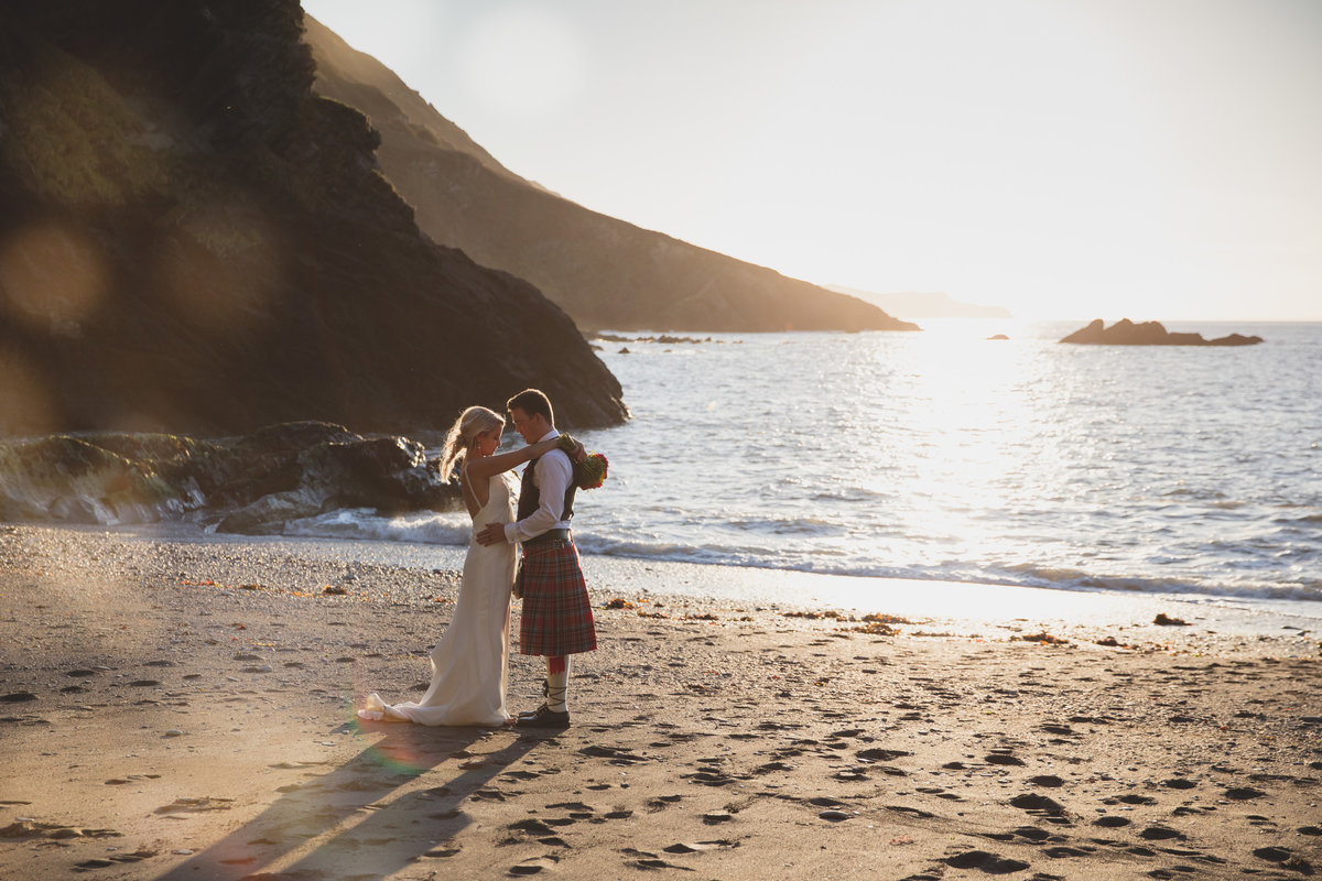 devon wedding photographer at tunnels beaches (2)