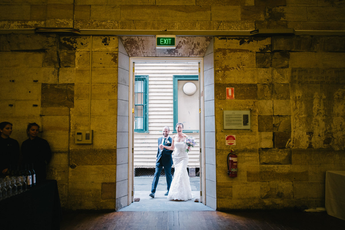 Bel-mat-nsw-state-library-cellblock-theatre-wedding-60