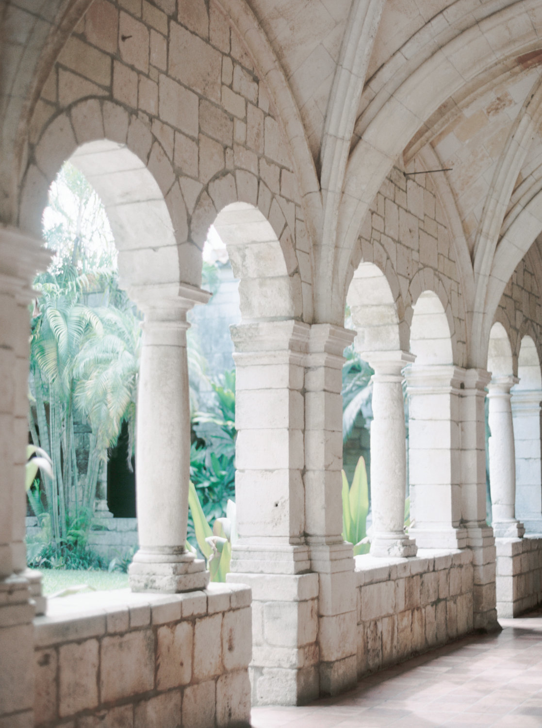 ancient-spanish-monastery-ethereal-lavender-editorial-melanie-gabrielle-photography-044
