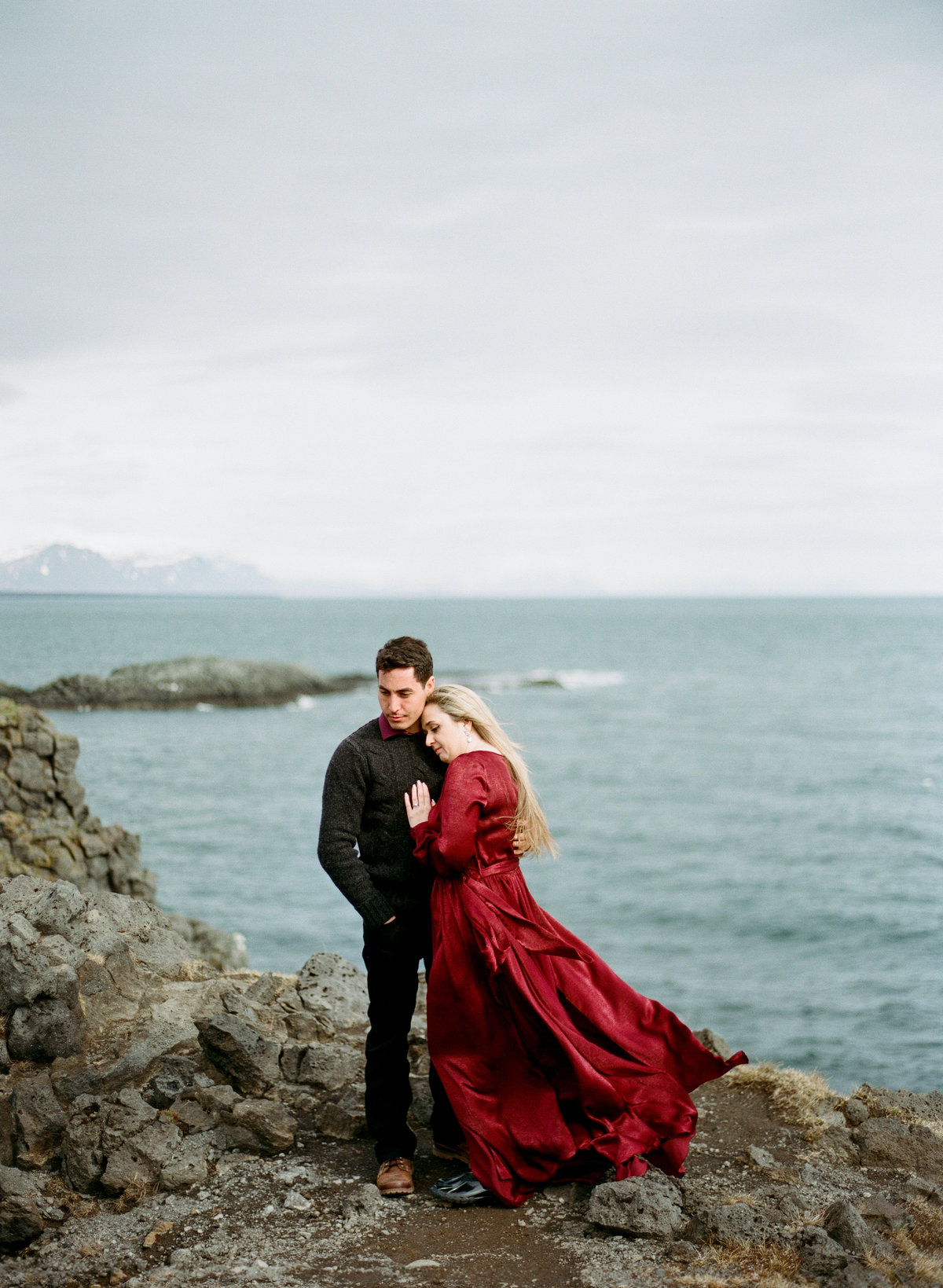 destination-wedding-photographer-iceland-engagement-session-6