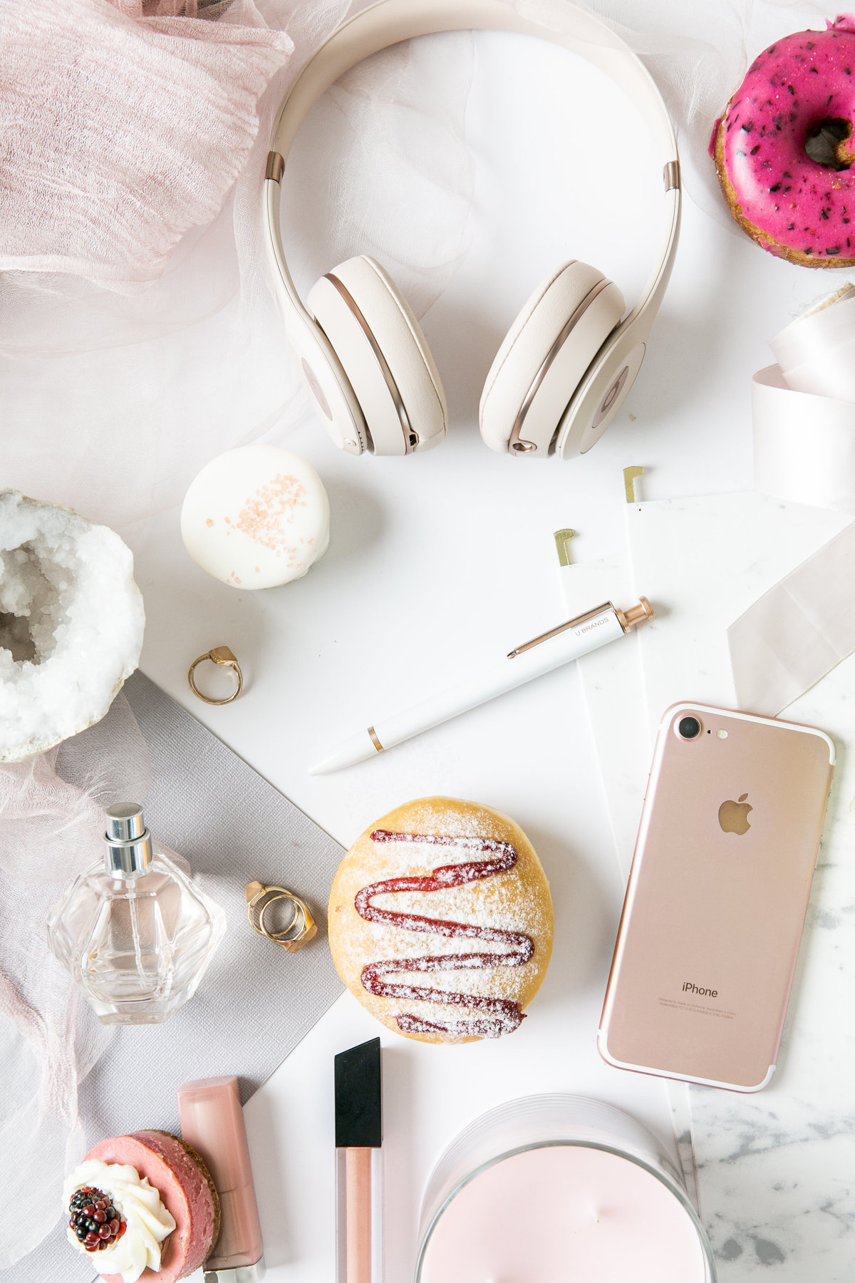Karlie Colleen Photography - All Things OutSourcing- Flatlay photos-198