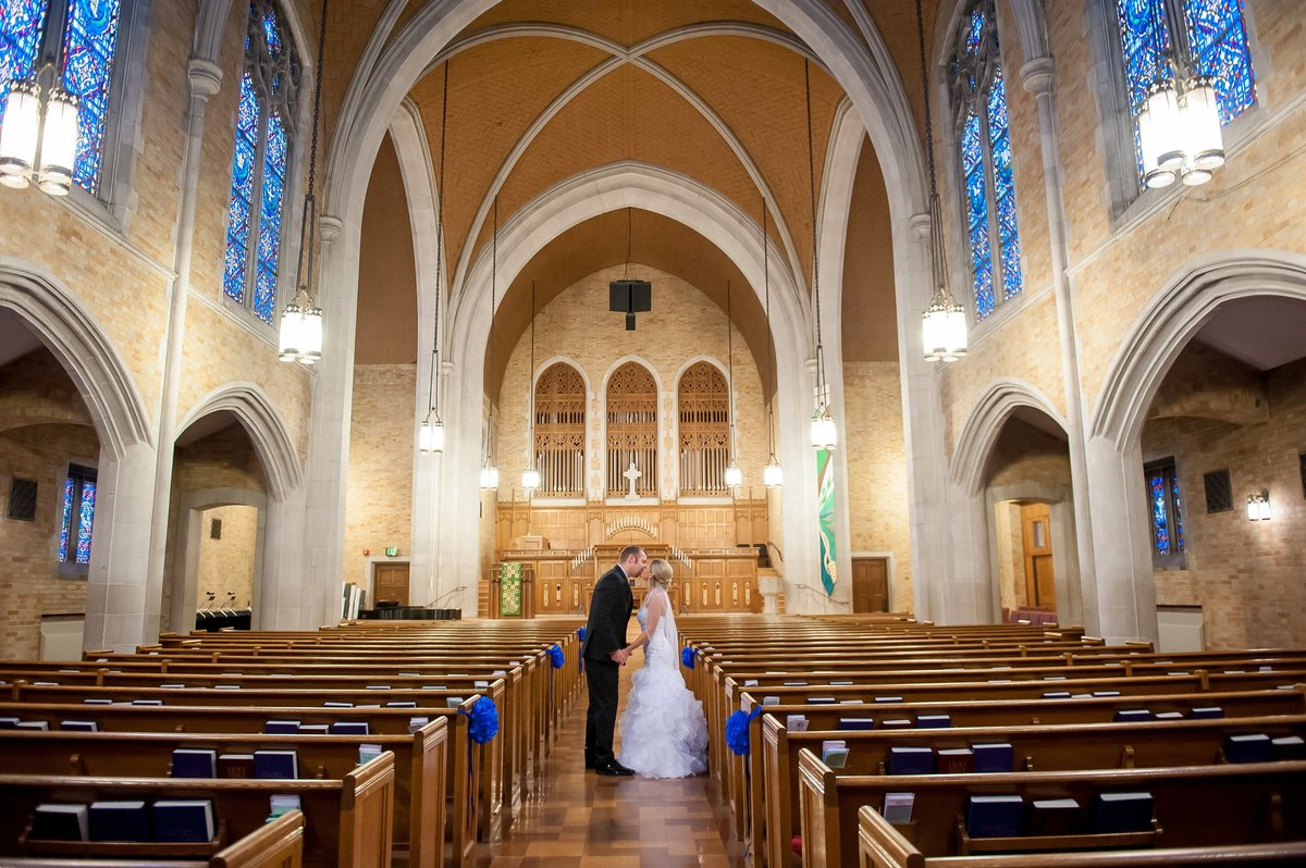 First Presbyterian Church Fargo weddings photographed by Kris Kandel