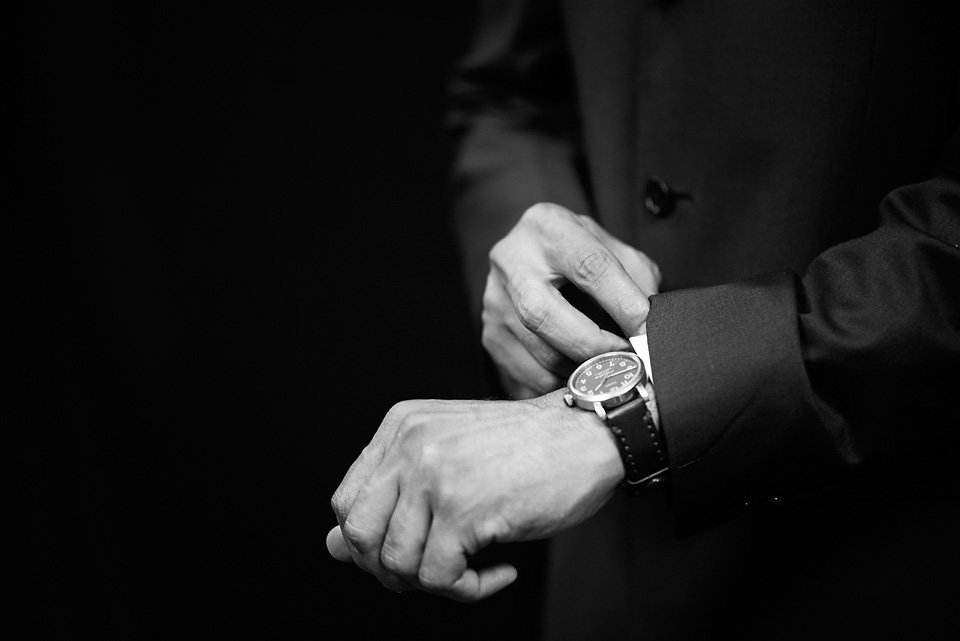 detail_shot_watch_groom_wedding