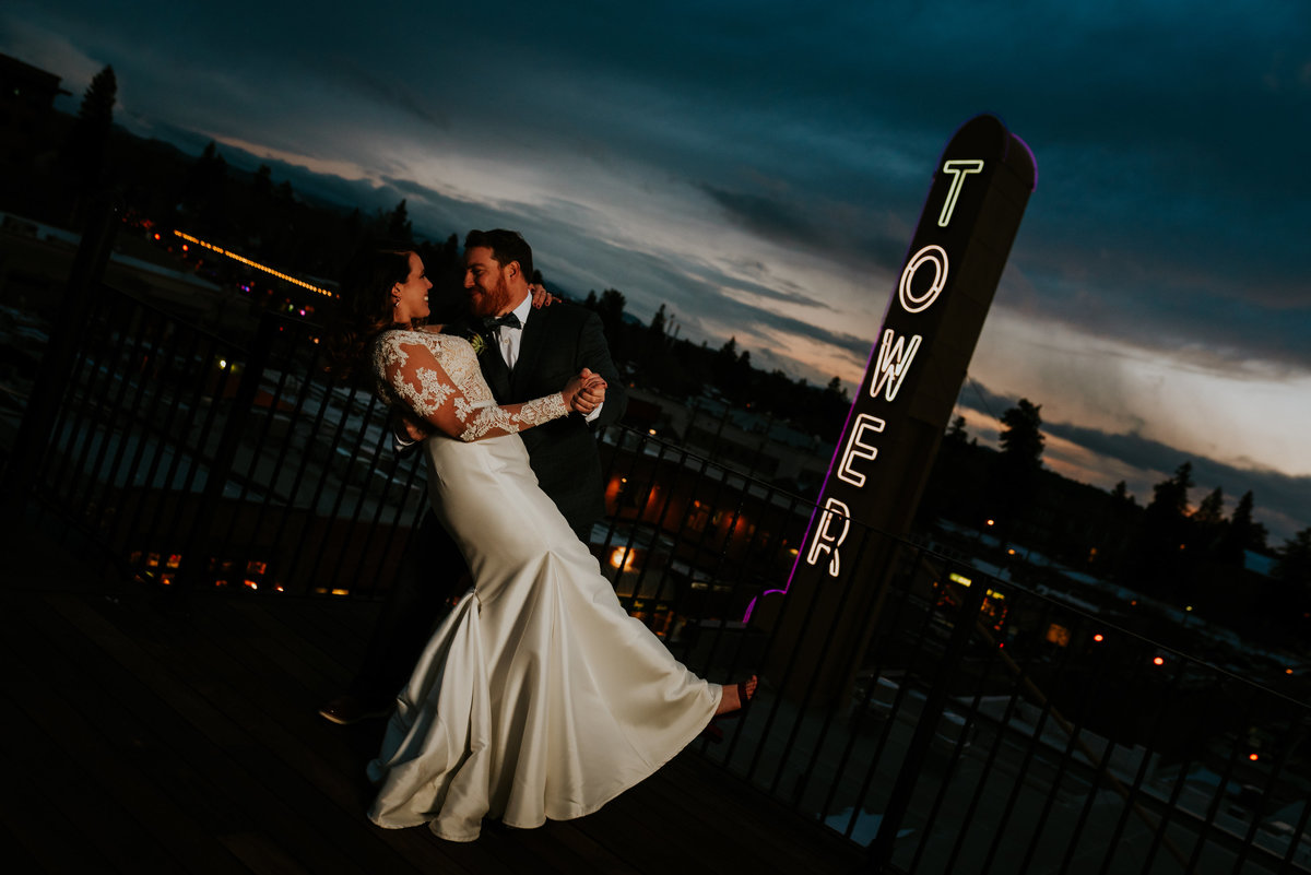 meredith_sands_wedding_photographer_bend_oregon_tower_theater_mcmenamins_-11