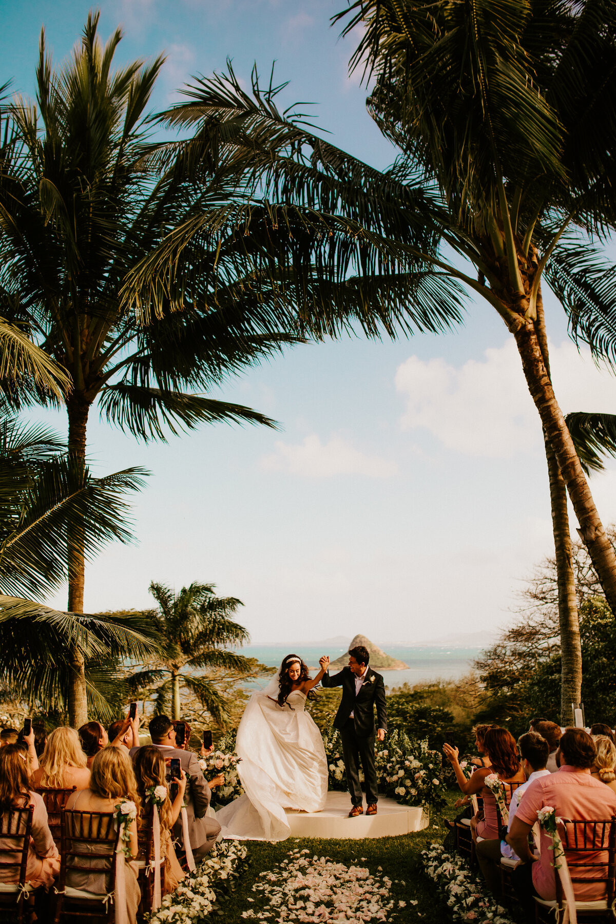 Finishing Touch Hawaii Wedding Planning Design Planner Designer Corporate Social Non Profit Sandra Williams1