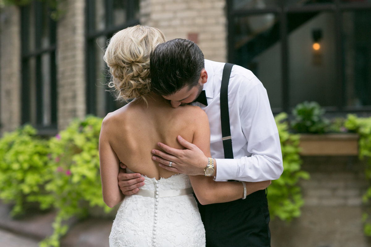 121 Minneapolis Wedding Photographer