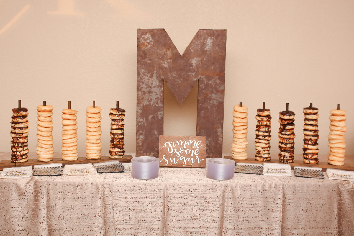 kylie_ranchland_donut_table_detail
