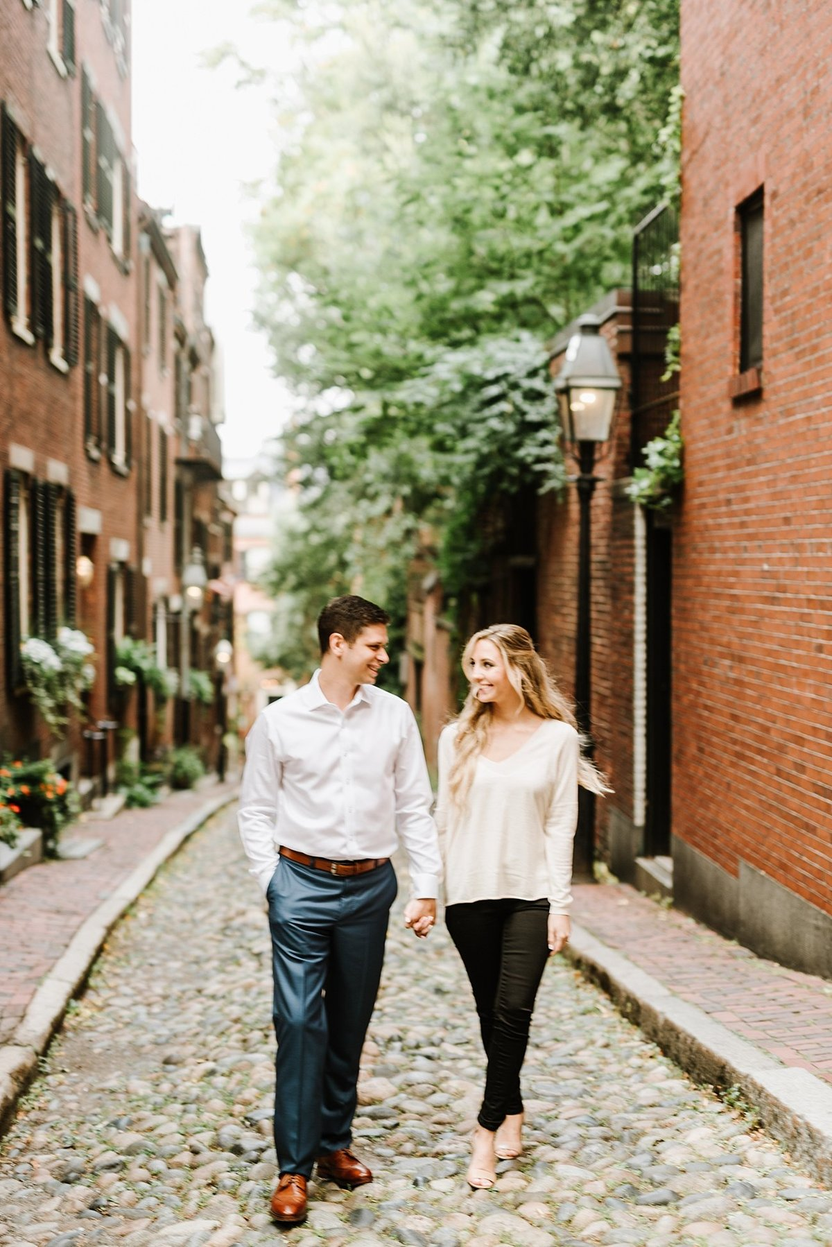 boston-public-garden-beacon-hill-boston-wedding-photographer-engagement-photo_0013