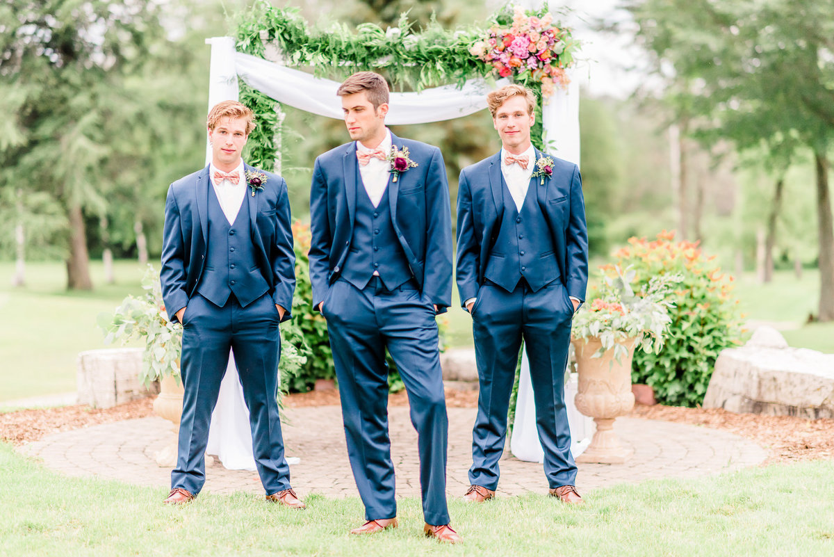 crystal-lake-golf-club-wedding-photographers-11