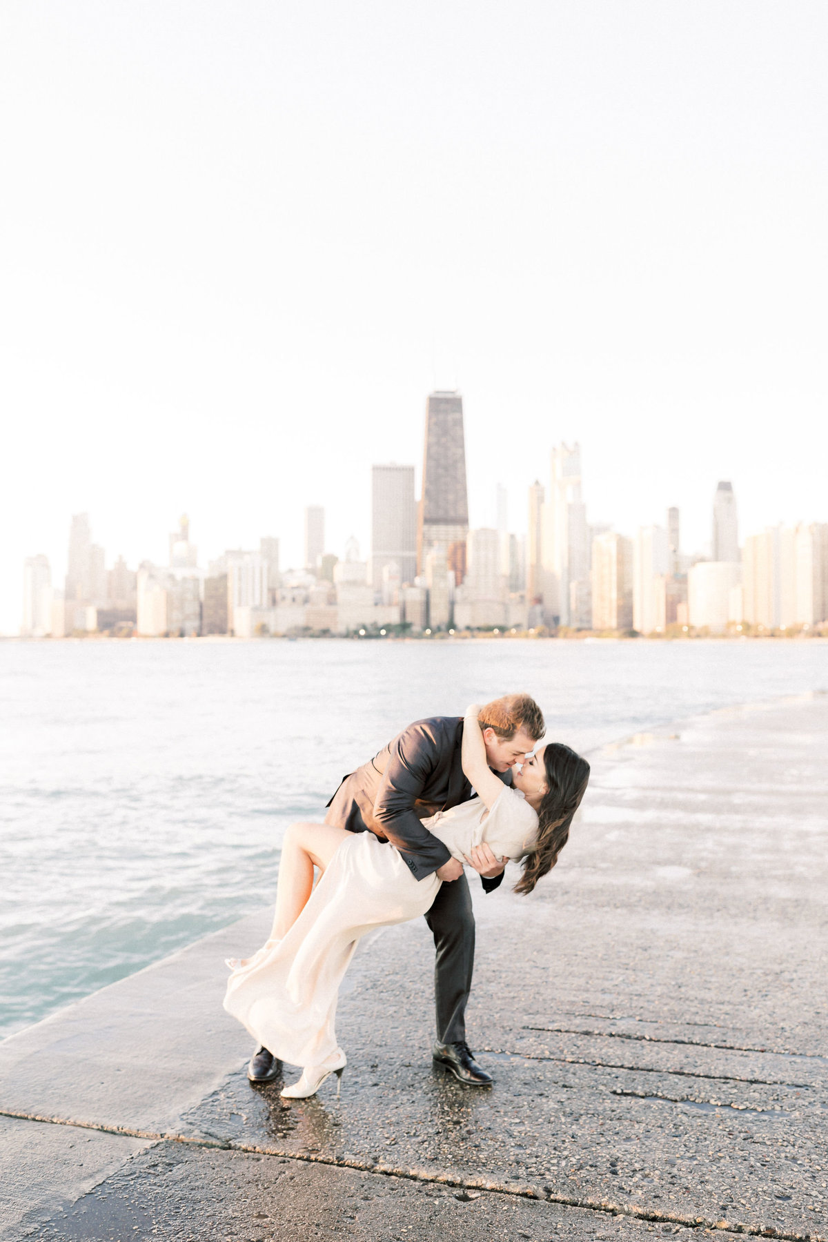 TiffaneyChildsPhotography-ChicagoWeddingPhotographer-Frankie+Brian-NorthAvenueBeach&RiverwalkEngagementSession-30