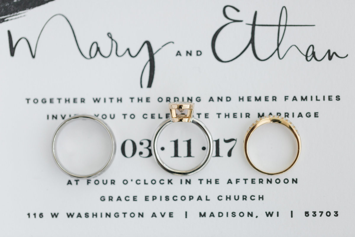 Maison Meredith Photography Wisconsin Wedding Photographer Real Wedding Three 007