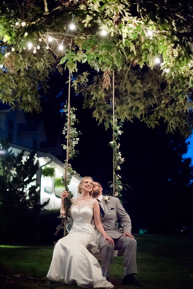 swing_picture_bride_and_groom_ellijay_ga