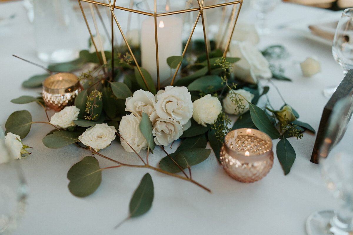 wedding table decorated with lanterns