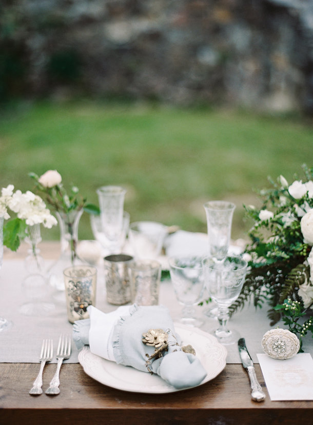 a-gorgeous-european-french-tablescape-max-gill-jill-lafleur-normandy-france-chateau-le-val-sylvie-gil-photography-melanie-gabrielle-photography-14