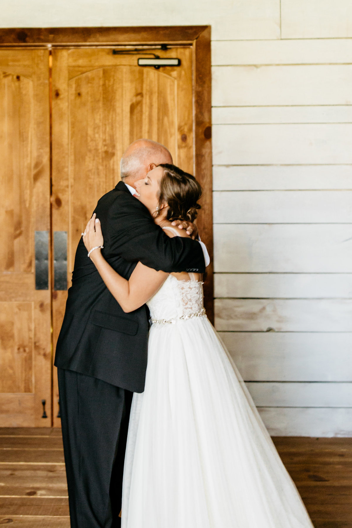Alexa-Vossler-Photo_Dallas-Wedding-Photographer_North-Texas-Wedding-Photographer_Stephanie-Chase-Wedding-at-Morgan-Creek-Barn-Aubrey-Texas_16