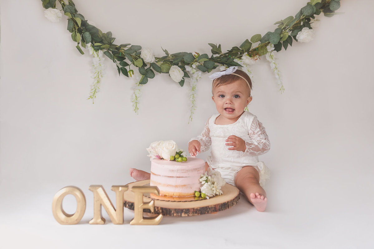 Brynleigh{FirstBirthday}-40
