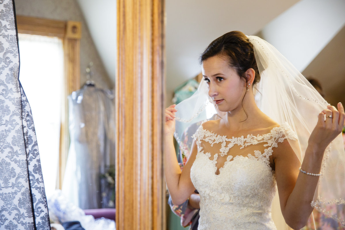 getting-ready-details-veil-colorado-denver-wedding