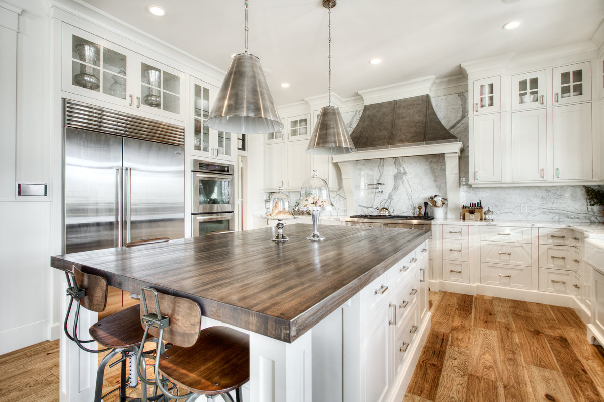 bearspaw-custom-home-kitchen