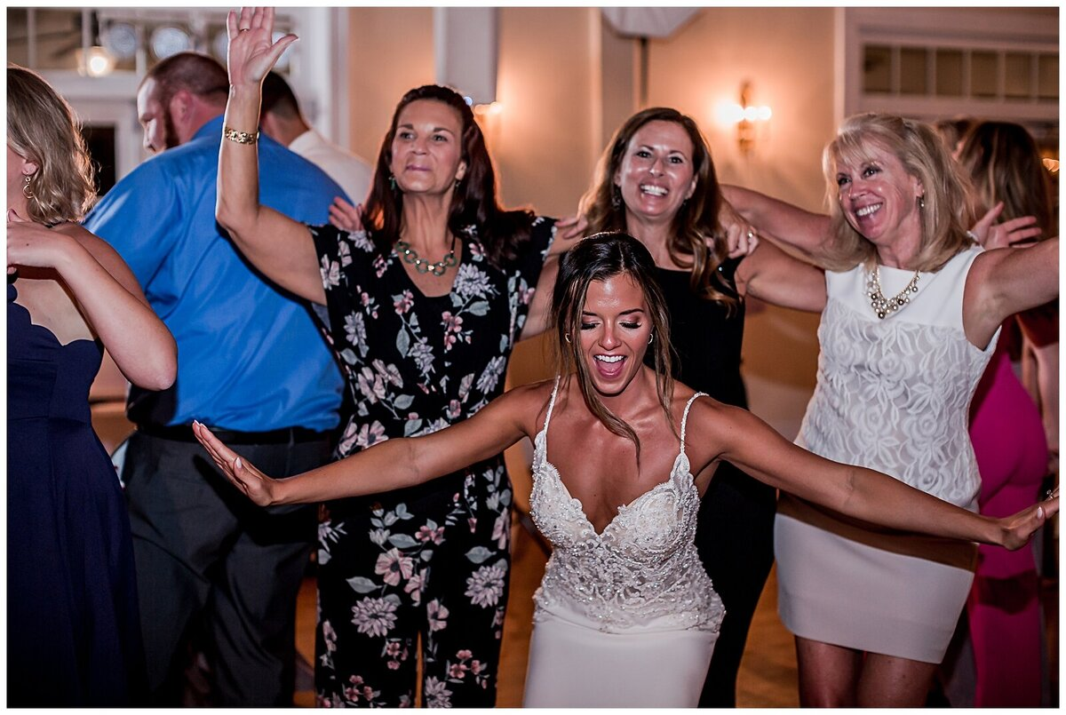Meghan lupyan photography womens club of portsmouth wedding124