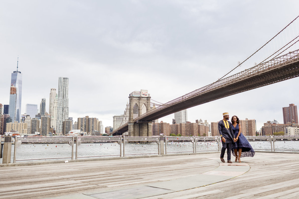 Brooklyn_Bridge_New_York_Engagement_Session_Amy_Anaiz_011