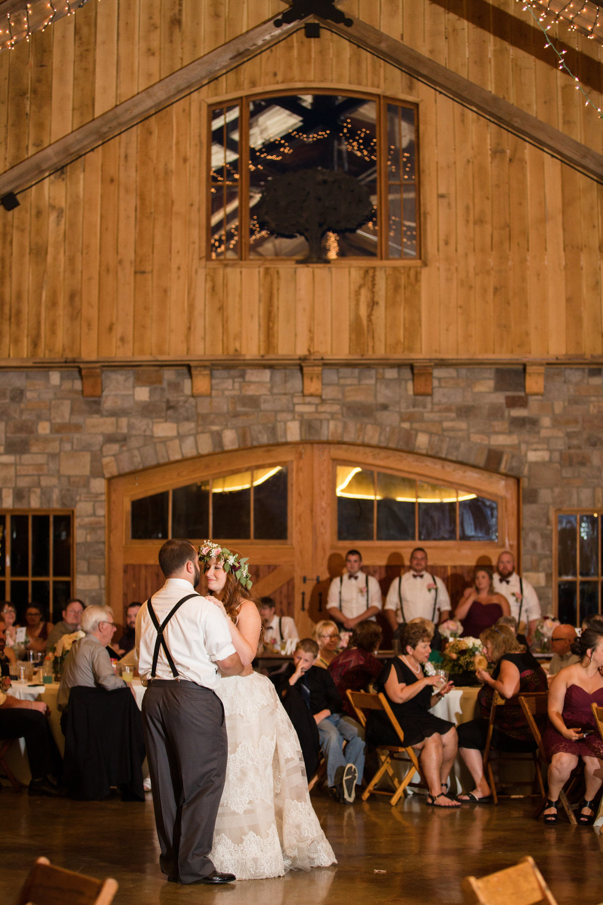 mighty-oak-lodge-wedding-82