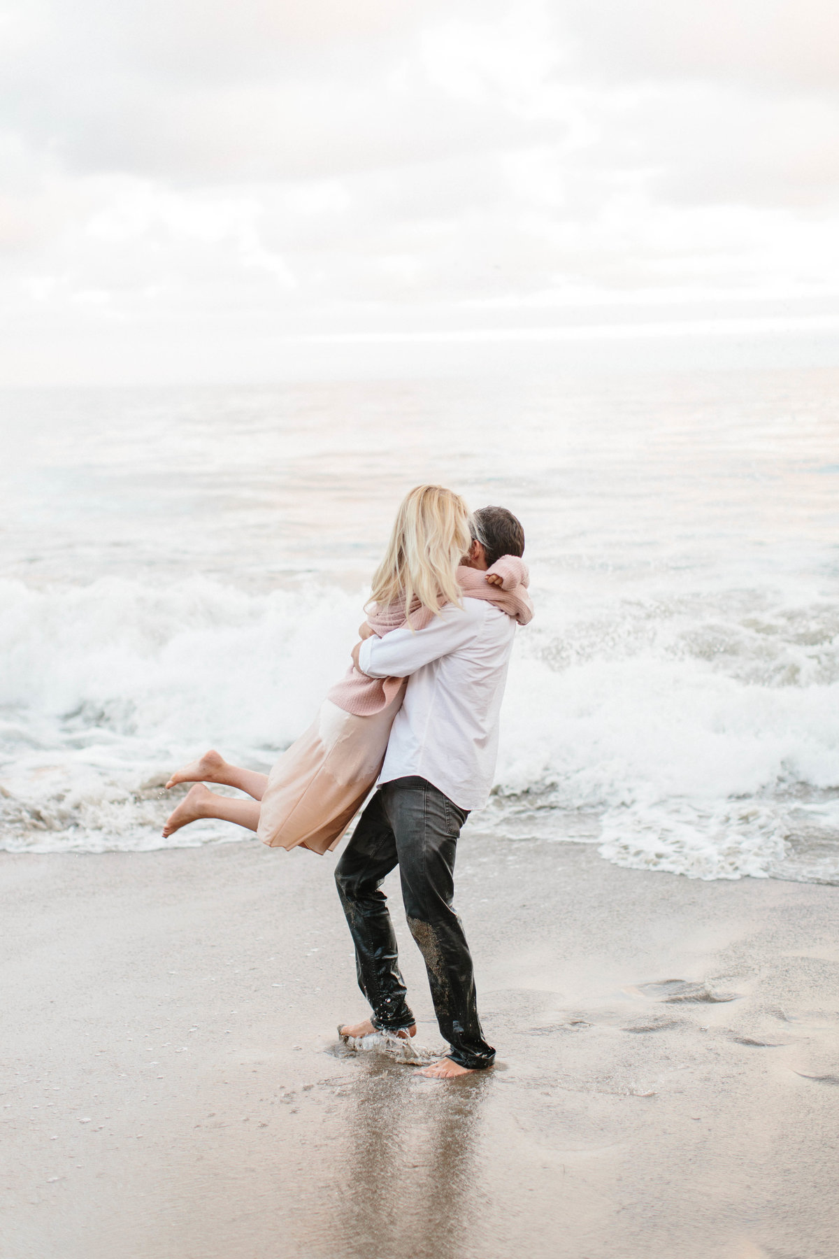 _film_santa_barbara_alexandria_christian_flowers_stone_christianne_taylor_malibu_cafe_engagements_el_matador_state_beach (268 of 270) copy
