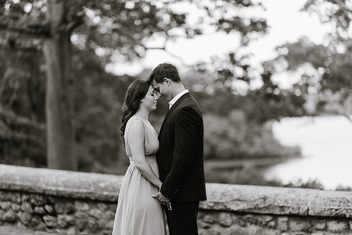 estate-at-moraine-farm-wedding-photographer-anniversary-photo_0023
