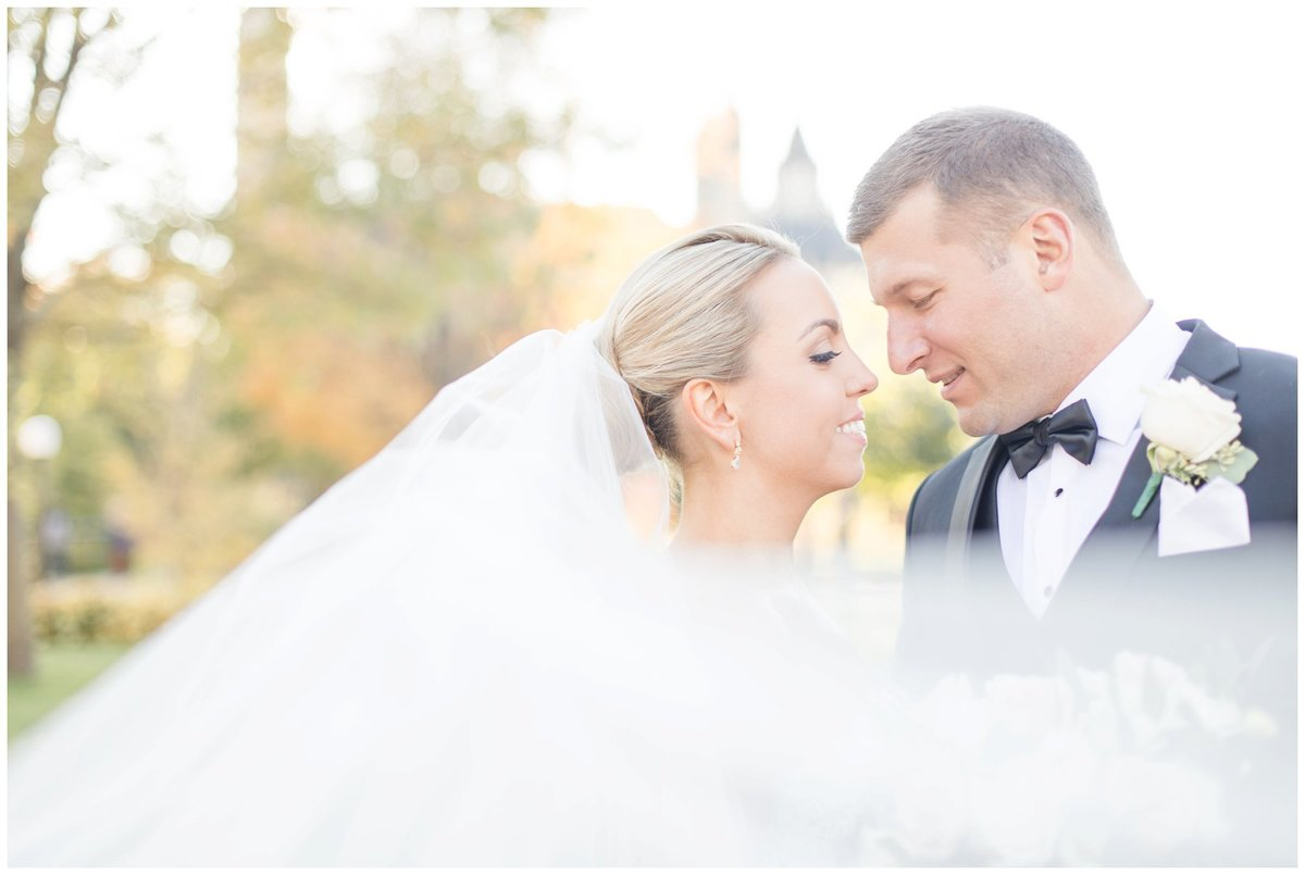 Light-and-Airy-Ottawa-Wedding-Photographer-Bride-and-Groom-Major-Hill-Park
