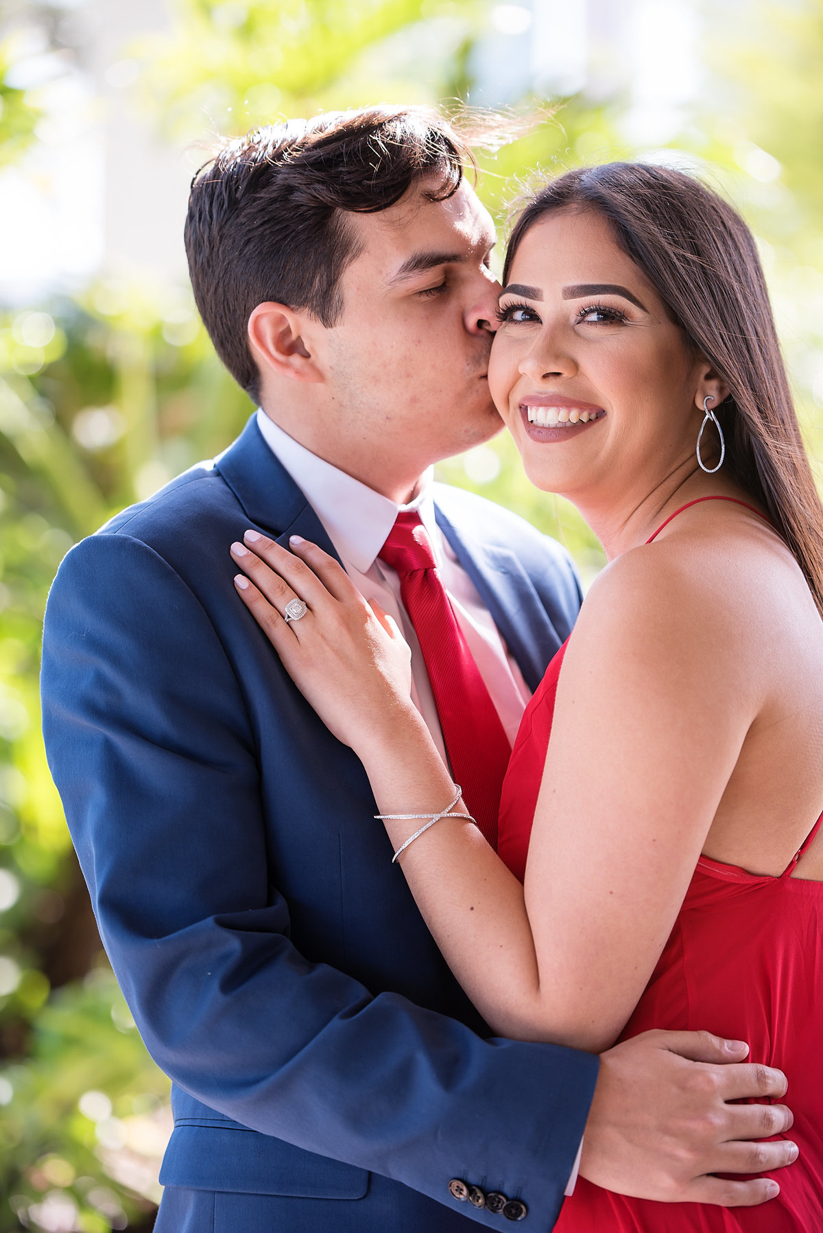 Steph-Juan-Engagement-Sneak-Peek-Perez-Art-Museum-Miami-PAMM-12
