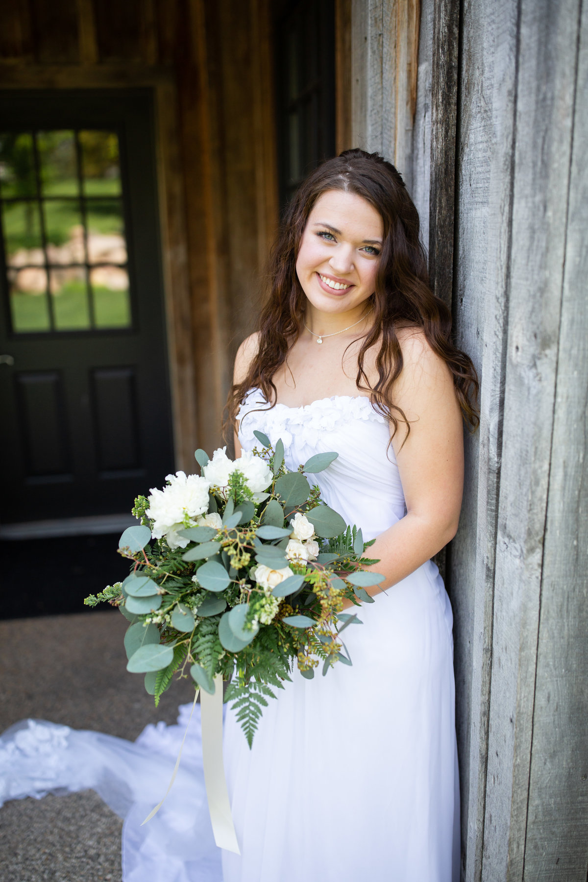 Wedding bride with flowers Sawatski-2