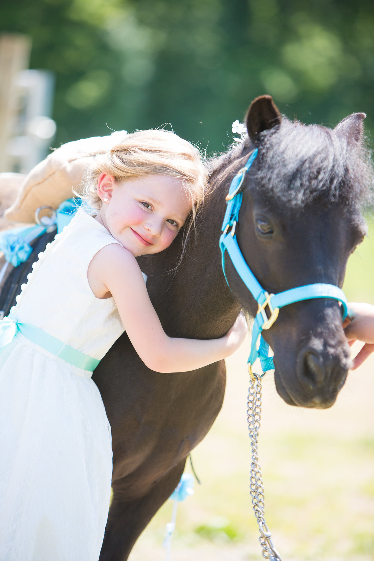 61 wedding photography Flower Girl with Pony