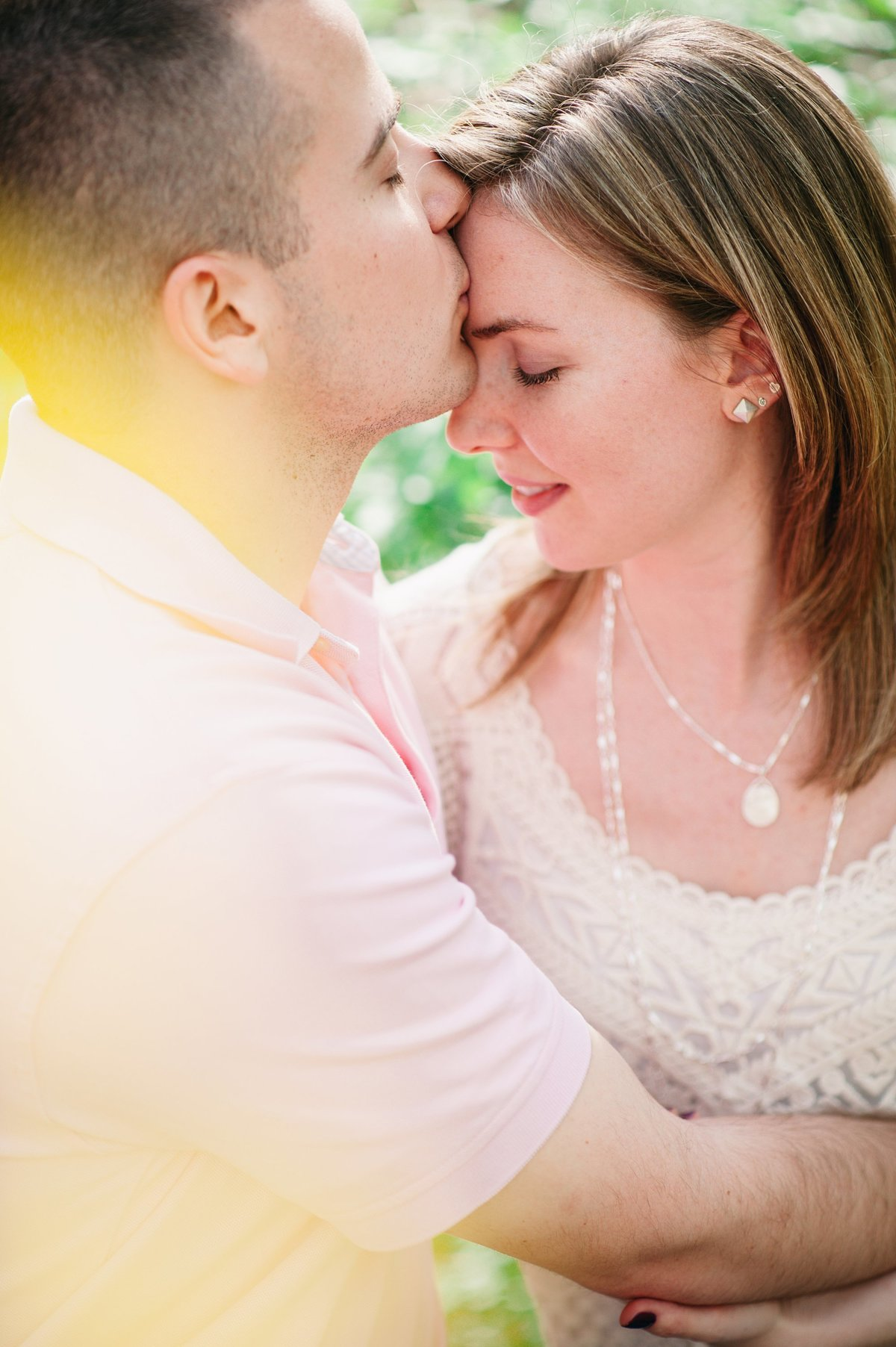 spring engagement session in woods glen echo park