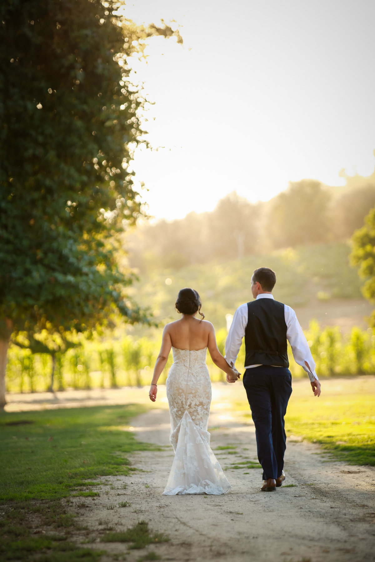 wedding_photography_bride_groom_bates_nut_farm_escondido_ca_by_tommy_of_cassia_karin_photography-111