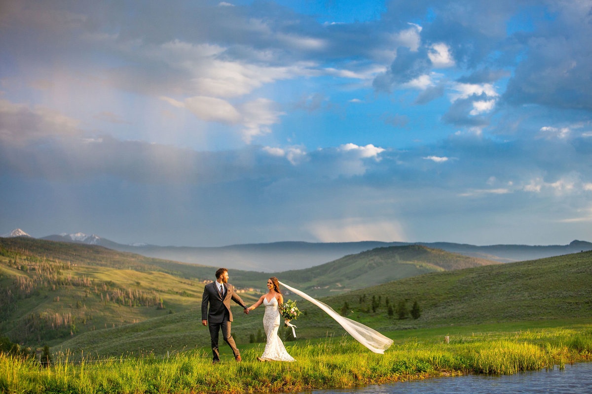 Strawberry-Creek-Ranch-Wedding-Ashley-McKenzie-Photography-Summer-love-on-the-ranch-Veil-in-the-wind