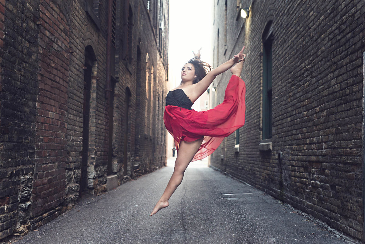 Dancer leaping senior portrait girl photographer
