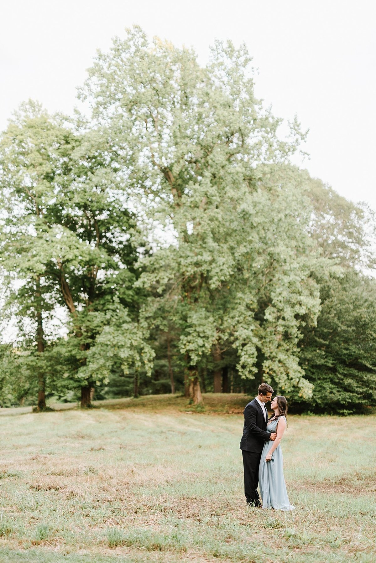 estate-at-moraine-farm-wedding-photographer-anniversary-photo_0026