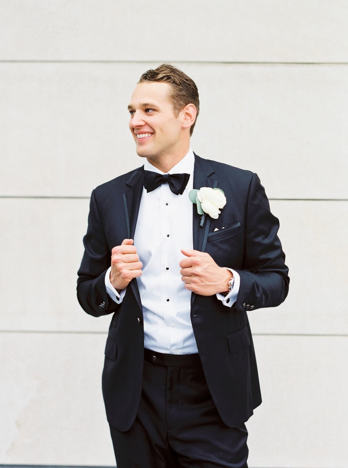fine art film groom portrait, columbus museum of art wedding