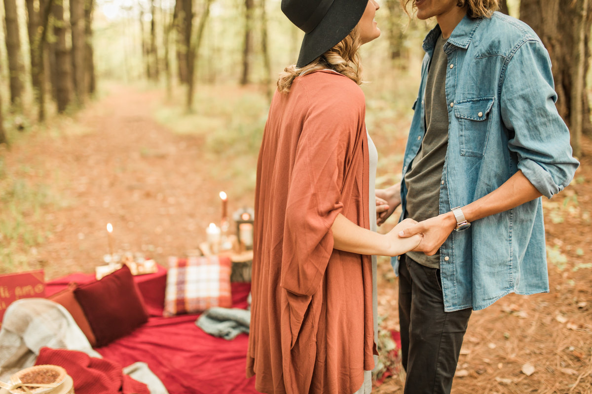 Busch Wildlife  Defiance, MO  Fall Picnic Colorado Themed Surpise Proposal  Cameron + Mikayla  Allison Slater Photography211