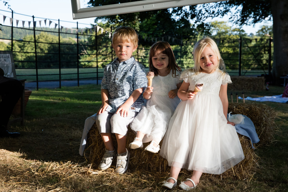kids at bridwell wedding