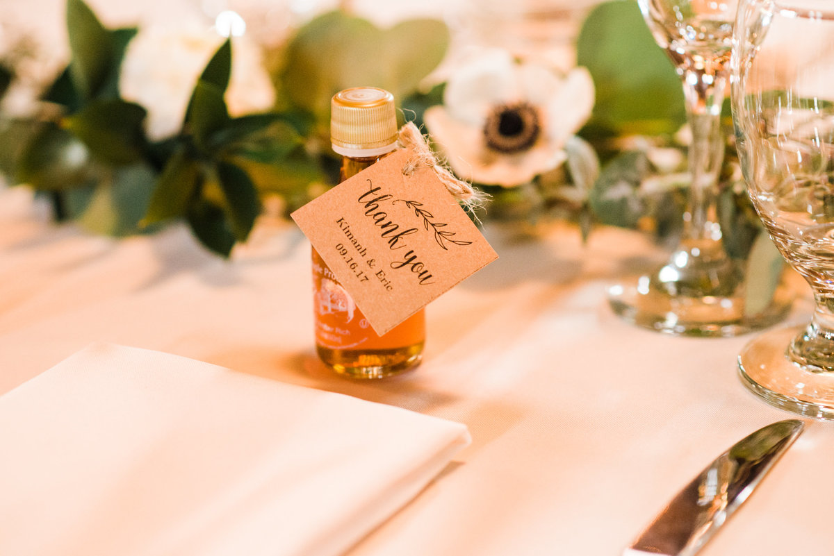 Vermont maple syrup wedding favor