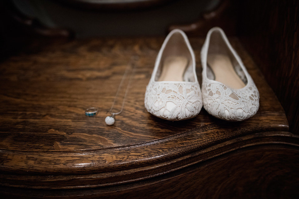 wedding_necklace_shoes