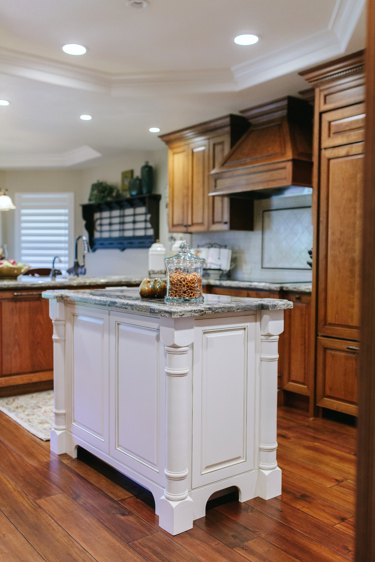Custom Kitchen Cabinet - Cowan's Cabinet Co.