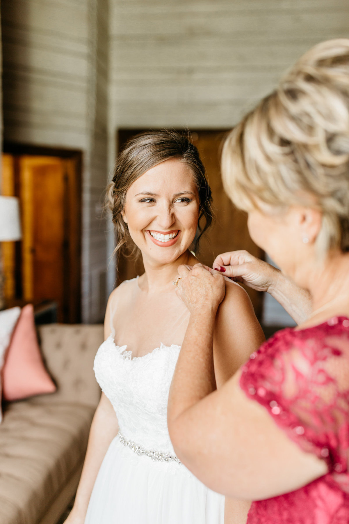 Alexa-Vossler-Photo_Dallas-Wedding-Photographer_North-Texas-Wedding-Photographer_Stephanie-Chase-Wedding-at-Morgan-Creek-Barn-Aubrey-Texas_11