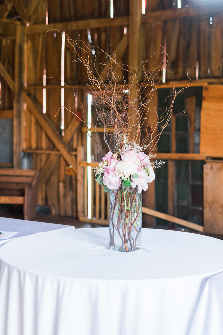 Intimate-Barn-Lewisburg-Wedding-photos-by-carrie-b-joines (1)
