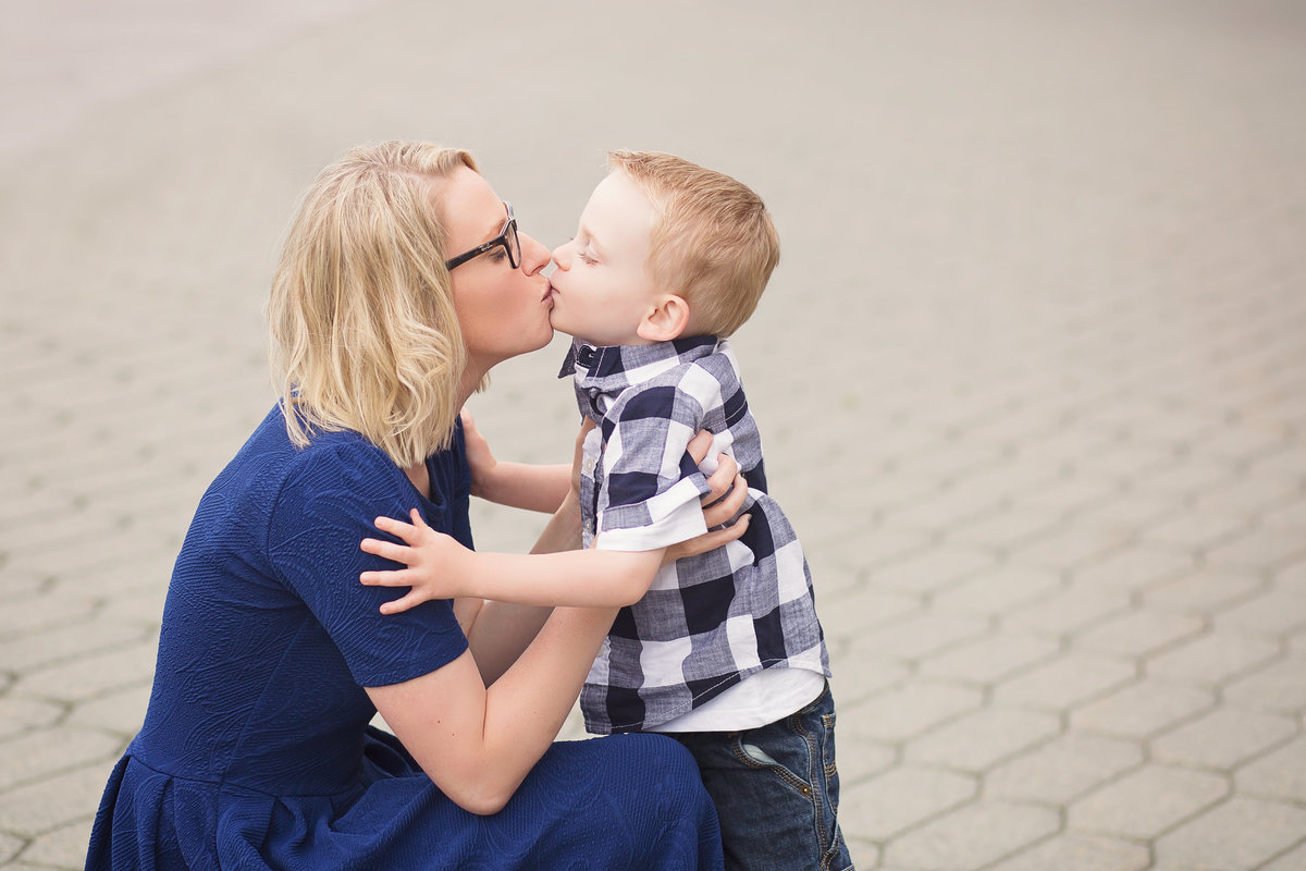 Green Bay, WI Family Portrait Photographer @ http://www.photosbyciera.com