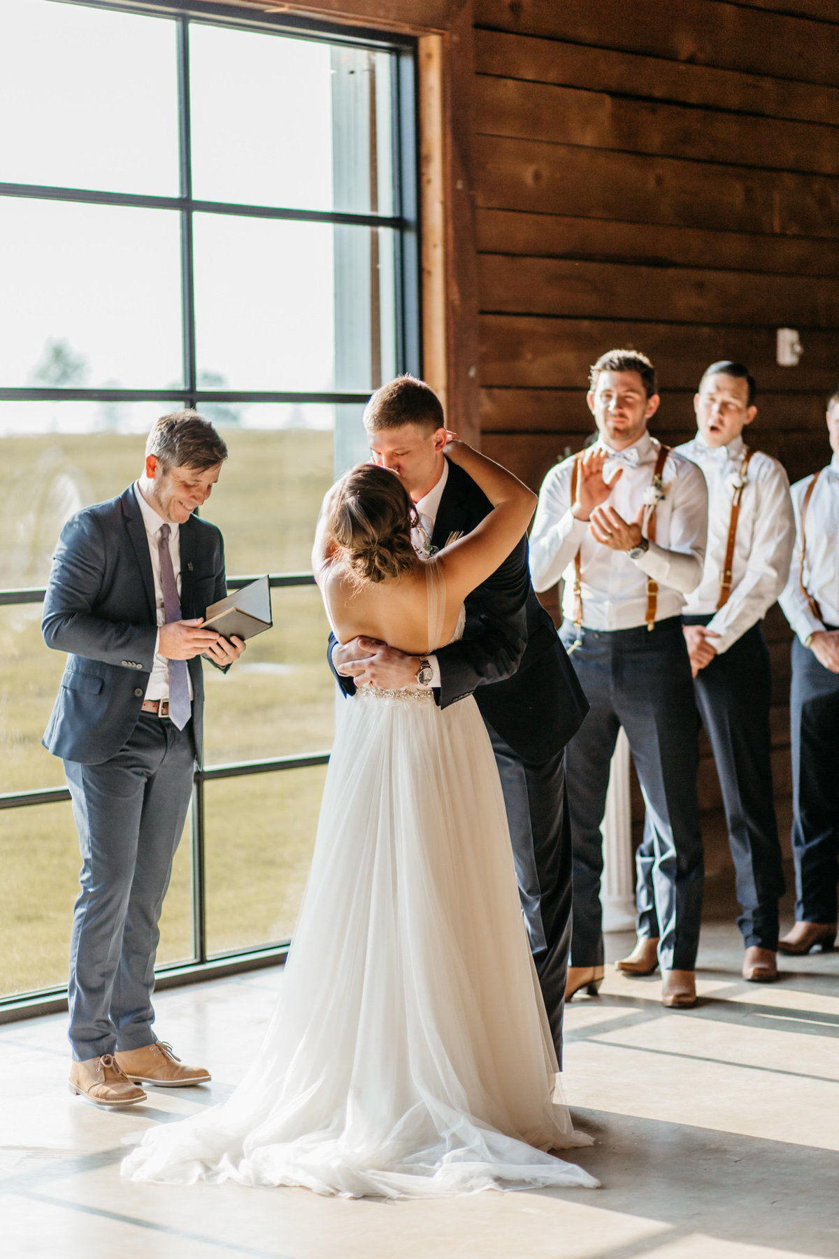 Alexa-Vossler-Photo_Dallas-Wedding-Photographer_North-Texas-Wedding-Photographer_Stephanie-Chase-Wedding-at-Morgan-Creek-Barn-Aubrey-Texas_104